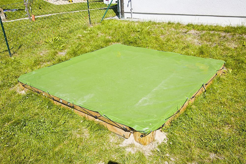 Sand pit cover, square 260