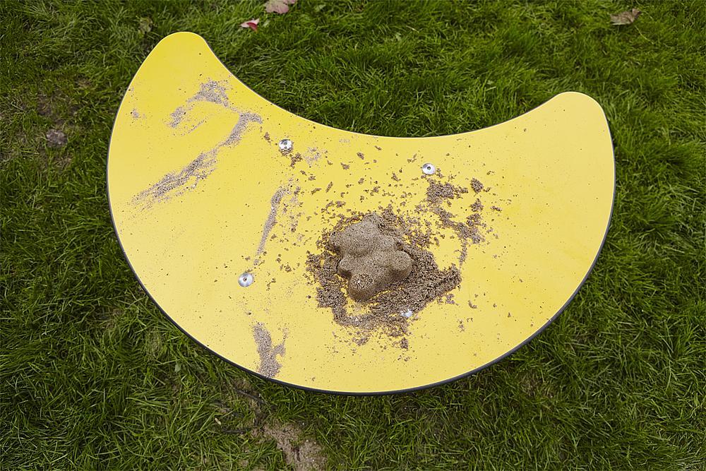 Sand play table Moon