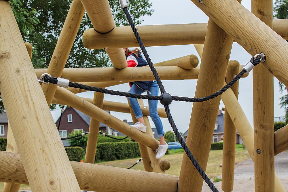 climbing structure large Yurika