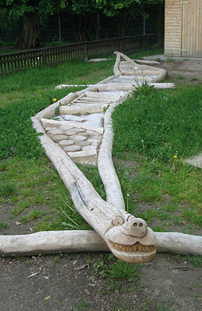 barefoot trail Dragon Vin