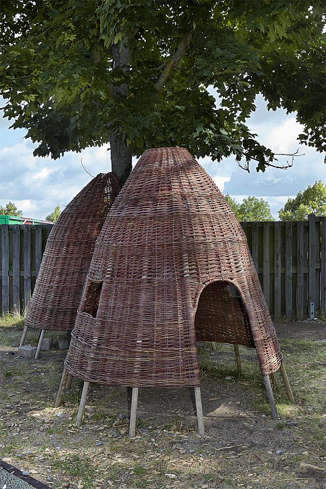 Wicker hut 160