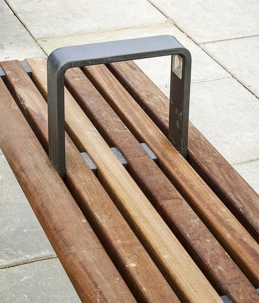 Bench with armrest Malva